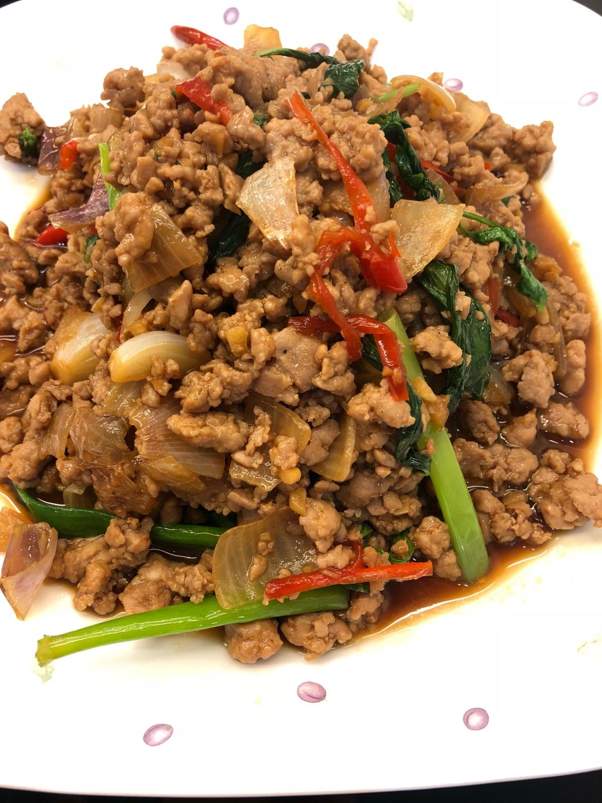 Thai Style Stir-Fry Minced Pork with Basil Leaves (4servings)